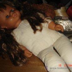 Muñecas Modernas: PRECIOSA MUÑECA, CABEZA Y MANOS DE GOMA DURA, PELO LARGO Y BIEN CONSERVADO. Lote 36294007