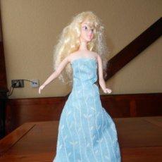 Muñecas Modernas: MUÑECA BARBIE DISNEY PRINCESAS CON VESTIDO DE BARBIE ANTIGUA. Lote 39458800