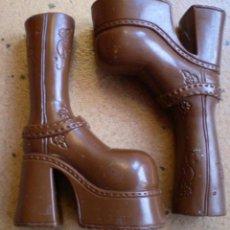 Muñecas Modernas: ZAPATOS BOTAS MARRONES BRATZ ORIGINALES 2001 YASMIN. Lote 39739786