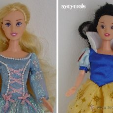 Muñecas Modernas: LOTE 2 MUÑECAS PRINCESAS DISNEY DE SIMBA: CENICIENTA Y BLANCANIEVES. Lote 41051953