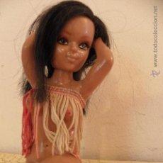 Muñecas Modernas: BONITA MUÑECA HAWAIANA CON PELO LARGO - CAR MASCOT. Lote 41379843
