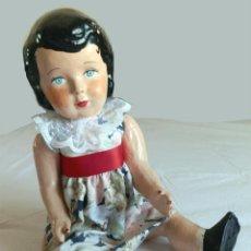 Muñecas Modernas: LOTE :MUÑECA CARTON PIEDRA- Y PEQUEÑO BALANCIN. Lote 41779817