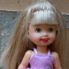 Muñeca Shelly Kelly, ojos verdes y pecas