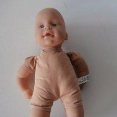 Moderne Puppen - bonito muñeco de plastico made in germany - 45898965