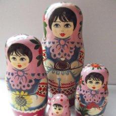 Muñecas Modernas: AUTENTICA MATRIUSKA RUSA, PINTADA A MANO, ARTESANIA TOTAL DE 5 PIEZAS. Lote 42811117