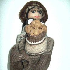 Muñecas Modernas: MUÑECA DE TRAPO GRUESO, ALTURA 30 CM MIRAR FOTOS. Lote 46682099