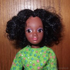 Muñecas Modernas: MUÑECA NEGRITA HASBRO 1971,SIMILAR A SOUL DE THE WORLD OF LOVE,MADE IN HONG KONG. Lote 46927138