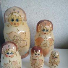 Muñecas Modernas: PRECIOSAS MONECAS MATRIOSKAS DE MADERA PINTADAS AMANO SON 7... Lote 176078569