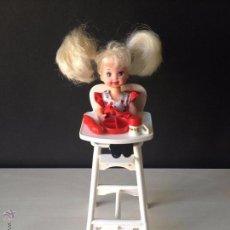 Bonecas Modernas: MUÑECA SHELLY Y SU TRONA. Lote 48946867