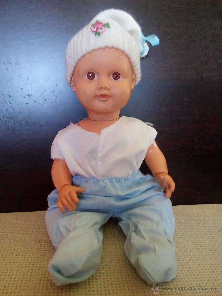 ANTIGUO MUÑECO BEBE DE PLASTICO DURO,MANOS GIRATORIAS.CUERPO Y CABEZA MAS BLANDO. AÑOS 60/70 (Juguetes - Muñeca Extranjera Moderna - Otras Muñecas)
