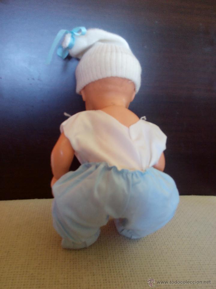 Muñecas Modernas: antiguo muñeco bebe de plastico duro,manos giratorias.cuerpo y cabeza mas blando. Años 60/70 - Foto 5 - 49098035