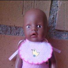 Muñecas Modernas: MUÑECO NEGRO,MÍNI BABY BORN ZAPF AA. Lote 141132522