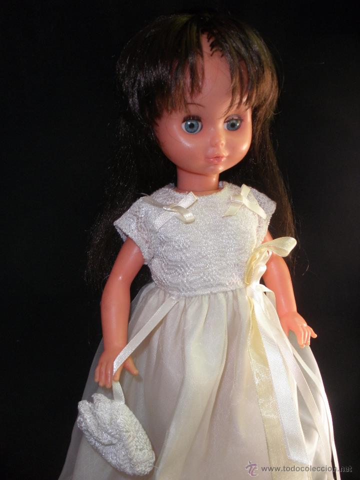 Muñecas Modernas: Preciosa Muñeca vestida de comunión y morena con pelo a capas italiana Furga - Foto 2 - 49638020