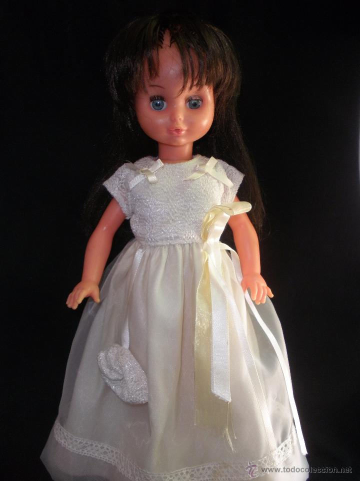 Muñecas Modernas: Preciosa Muñeca vestida de comunión y morena con pelo a capas italiana Furga - Foto 3 - 49638020