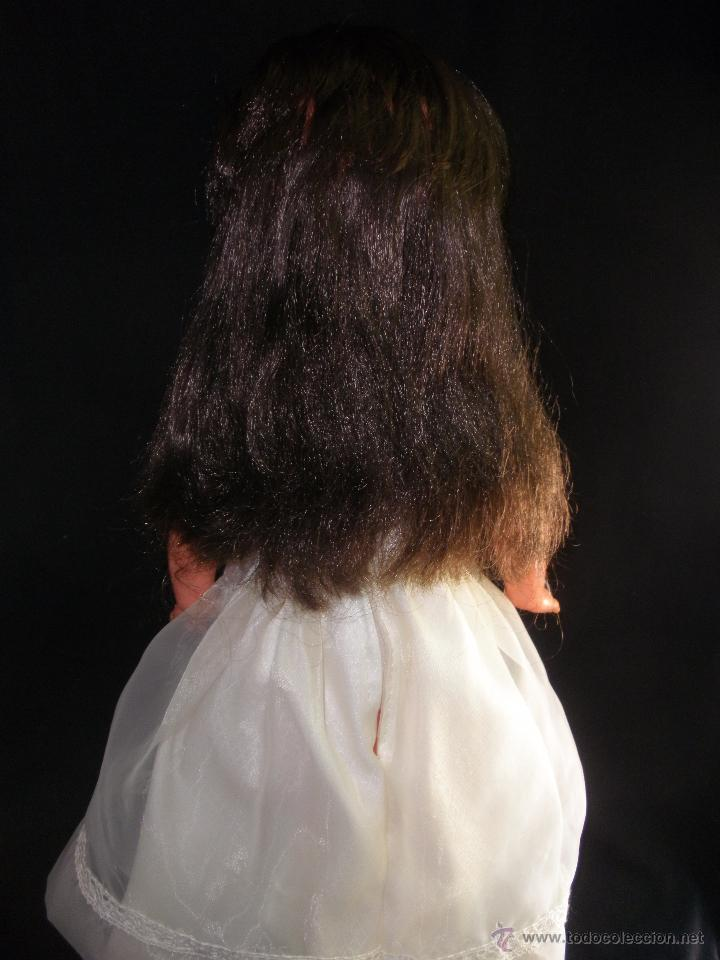 Muñecas Modernas: Preciosa Muñeca vestida de comunión y morena con pelo a capas italiana Furga - Foto 4 - 49638020