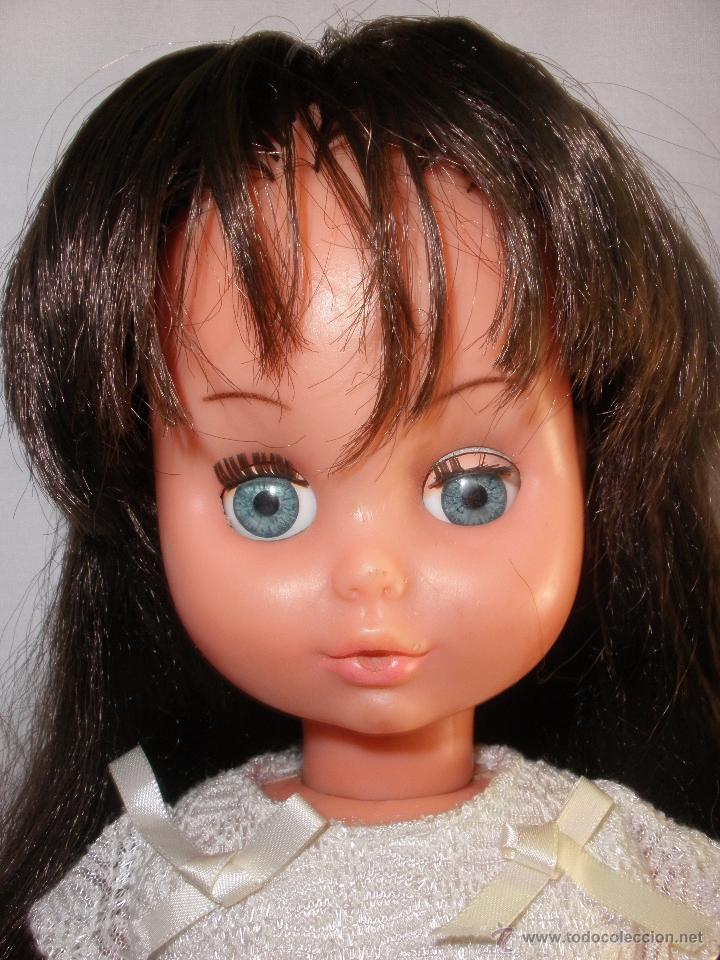 Muñecas Modernas: Preciosa Muñeca vestida de comunión y morena con pelo a capas italiana Furga - Foto 5 - 49638020