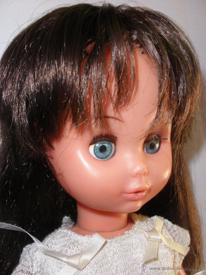 Muñecas Modernas: Preciosa Muñeca vestida de comunión y morena con pelo a capas italiana Furga - Foto 9 - 49638020