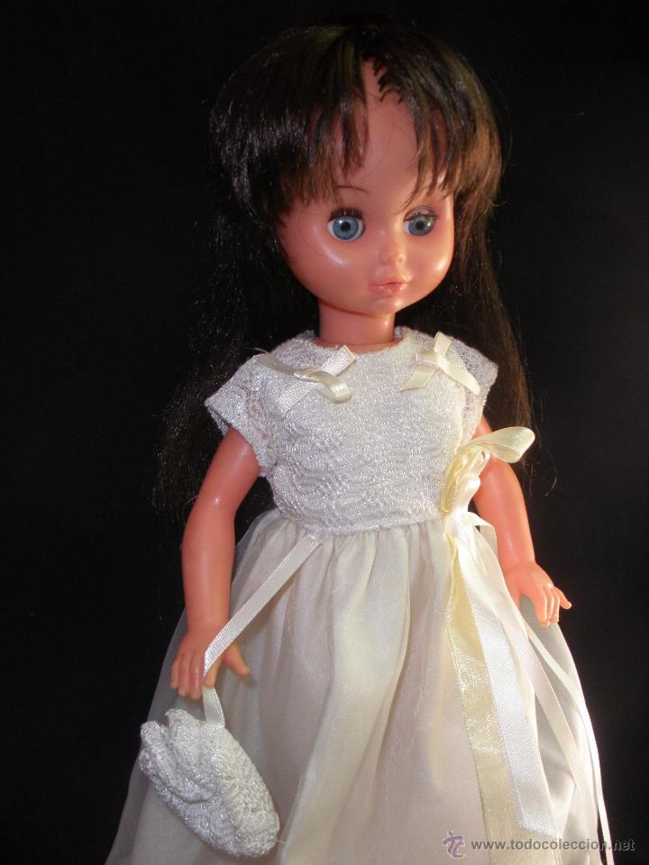 Muñecas Modernas: Preciosa Muñeca vestida de comunión y morena con pelo a capas italiana Furga - Foto 10 - 49638020