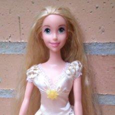 Muñecas Modernas: MUÑECA RAPUNZEL CON VESTIDO DE NOVIA, PRINCESAS DISNEY. Lote 50173196