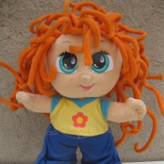 Muñecas Modernas: MUÑECA CURLY - HANDS ON DESIGN - PLAY ALONG - AÑO 2002.. Lote 50946350