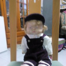 Muñecas Modernas: BONITO MUÑECO CON MOFLETES CON CUERPO DE MUÑENO Y CABEZA Y EXTREMIDADES DE GOMA DURA.. Lote 51121722