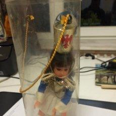 Muñecas Modernas: MUÑECA DE SOUVENIR. Lote 53032303