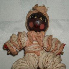 Muñecas Modernas: MUÑECA CABEZA DE MADERA Y CUERPO BLANDO CUBANA. Lote 54253586