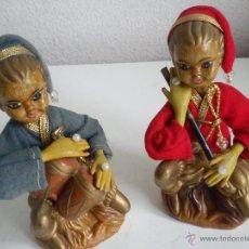 Muñecas Modernas: ANTIGUA PAREJA DE MUSICOS PARA COLECION HECHOS DE PLASTICO DURO SON ORIGINAIS. Lote 102987332