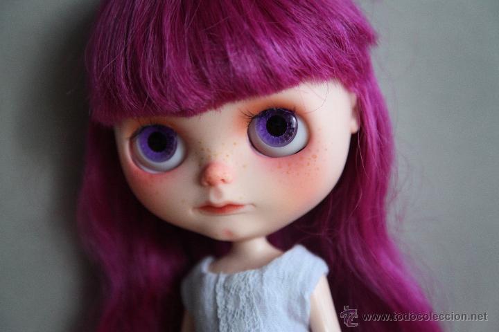 Muñecas Modernas: Preciosa y original OOAK Blythe art doll customizada y única con 2 vestidos y caja - Foto 4 - 55012841