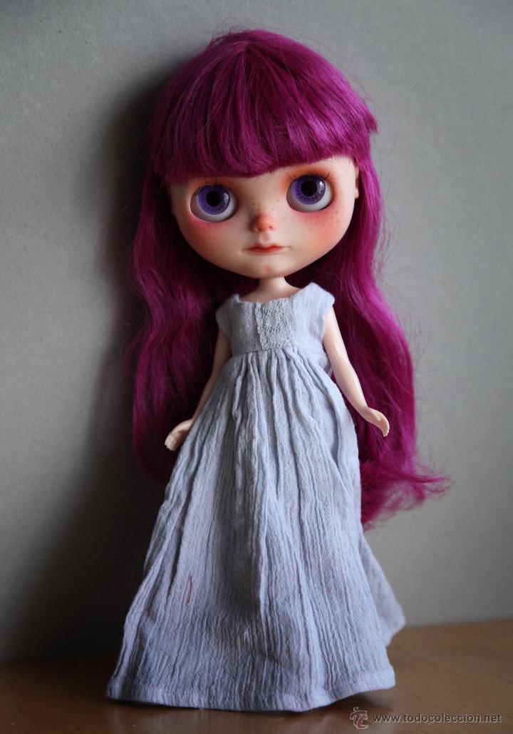 Muñecas Modernas: Preciosa y original OOAK Blythe art doll customizada y única con 2 vestidos y caja - Foto 6 - 55012841