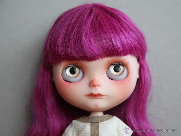 Muñecas Modernas: Preciosa y original OOAK Blythe art doll customizada y única con 2 vestidos y caja - Foto 7 - 55012841