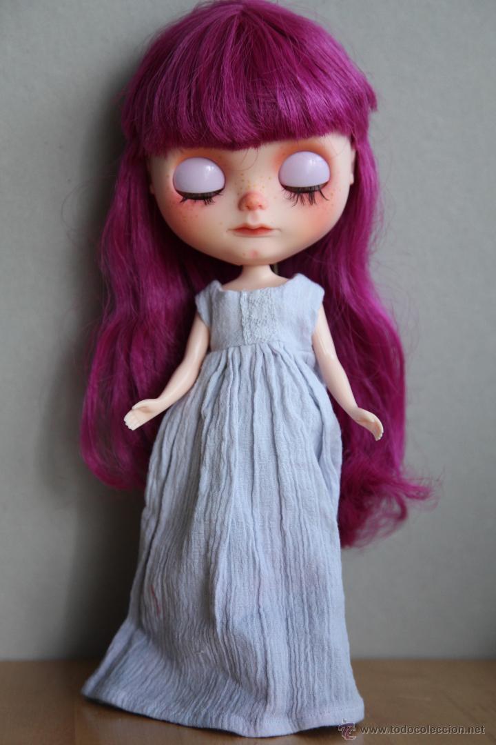 Muñecas Modernas: Preciosa y original OOAK Blythe art doll customizada y única con 2 vestidos y caja - Foto 13 - 55012841