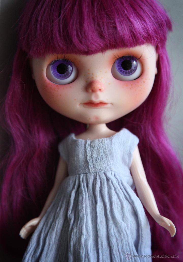 Muñecas Modernas: Preciosa y original OOAK Blythe art doll customizada y única con 2 vestidos y caja - Foto 20 - 55012841