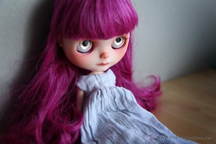 Muñecas Modernas: Preciosa y original OOAK Blythe art doll customizada y única con 2 vestidos y caja - Foto 21 - 55012841