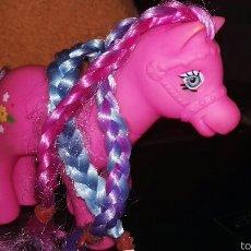 Moderne Puppen - Pequeño pony. Little pony. China - 55797663