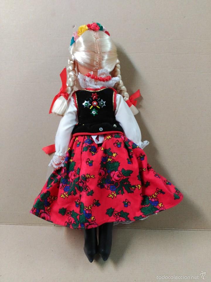 Muñecas Modernas: Muñeca con traje, pelo rubio, ojos moviles - Foto 2 - 56818078