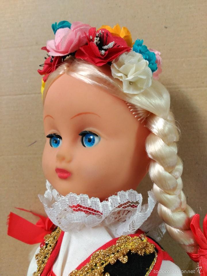 Muñecas Modernas: Muñeca con traje, pelo rubio, ojos moviles - Foto 6 - 56818078