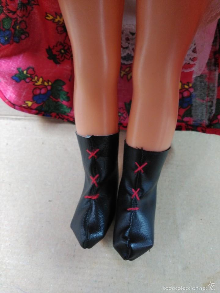 Muñecas Modernas: Muñeca con traje, pelo rubio, ojos moviles - Foto 8 - 56818078