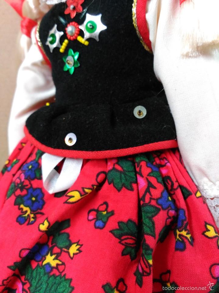 Muñecas Modernas: Muñeca con traje, pelo rubio, ojos moviles - Foto 9 - 56818078