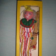 Muñecas Modernas: ANTIGUA MARIONETA O TITERE MARCA PELHAM PUPPETS AÑO 1960 NUEVA SIN USO EN MADERA Y MANOS CERÁMICA . Lote 58223606