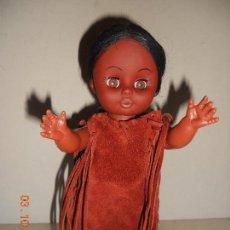 Muñecas Modernas: ANTIGUA MUÑEQUITA INDIA MADEN EN CHINA MIDE 27 CM. Lote 61982664