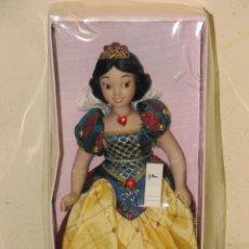Muñecas Modernas: PRINCESAS DISNEY DE PORCELANA BLANCANIEVES. Lote 112292938