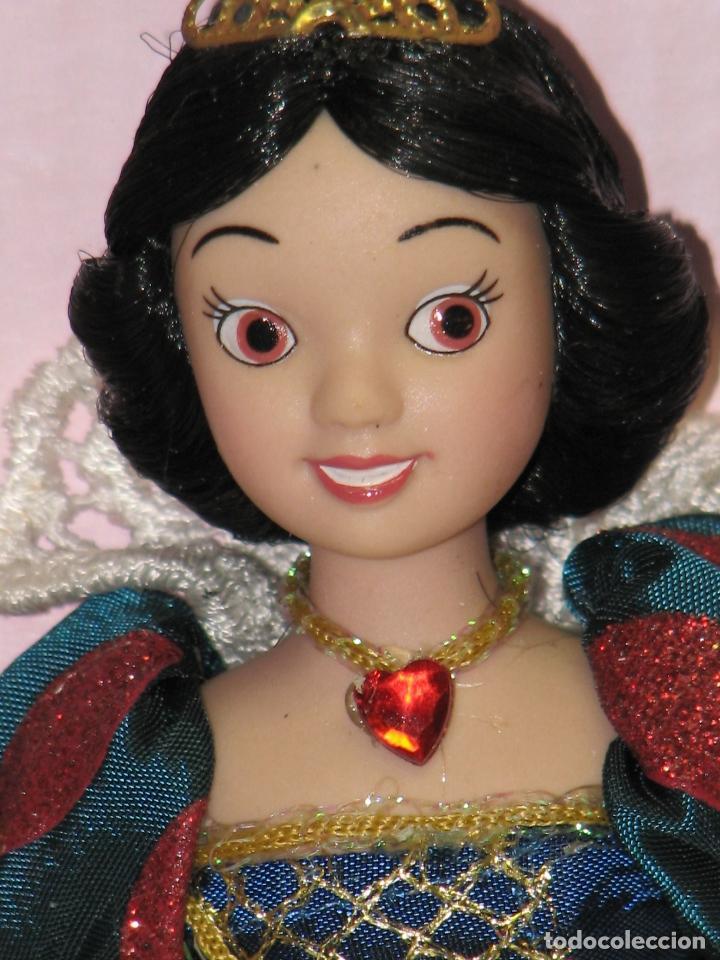 Muñecas Modernas: PRINCESAS DISNEY DE PORCELANA BLANCANIEVES - Foto 3 - 112292938