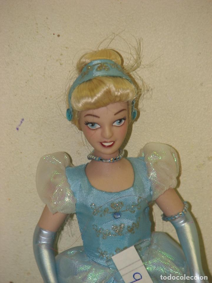 Muñecas Modernas: PRINCESAS DISNEY DE PORCELANA CENICIENTA - Foto 2 - 64401315