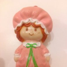 Muñecas Modernas: TARTA DE FRESA DE LOS 80: TARTA DE FRESA EN CAMISÓN. Lote 110010530