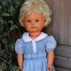 Muñecas Modernas: SHIRLEY TEMPLE ? GRAN MUÑECA MARCADA EN NUCA ESCAPARATE GRAN TAMAÑO. Lote 66841734