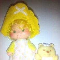 Muñecas Modernas: TARTA DE FRESA DE LOS 80: GALLETA DE MANTEQUILLA CON SU OSITO. Lote 68603218
