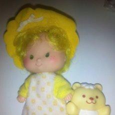 Muñecas Modernas: TARTA DE FRESA DE LOS 80: GALLETA DE MANTEQUILLA CON SU OSITO. Lote 68606050