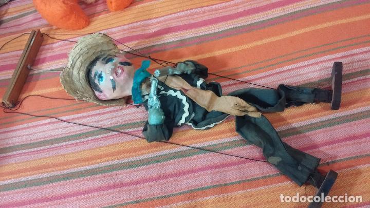 Muñecas Modernas: Antiguo muñeco marioneta, un gracioso mexicano con dos pistolas, quizás Pancho Villa - Foto 31 - 69718121