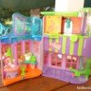 Muñecas Modernas: POLLY POCKET, CENTRO COMERCIAL, MUÑECA Y MUCHOS ACCESORIOS. Lote 104684279